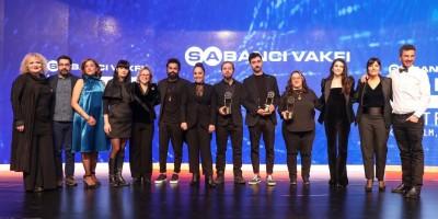 """Ankaralı genç sinemacılar """"Dijital Yalnızlık"""" temalı yarışmadan ödülle döndü"""